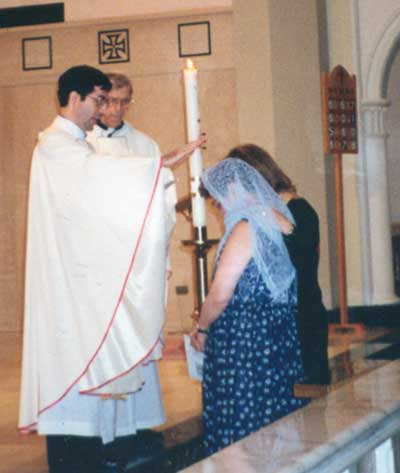<p>Priests for Life mourns passing of Norma McCorvey. Above: Fr. Frank Confirms Norma</p>