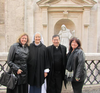 (L to R)-Theresa Burke, Mother Agnes Donovan, Sisters of Life, Fr. Frank Pavone and Janet