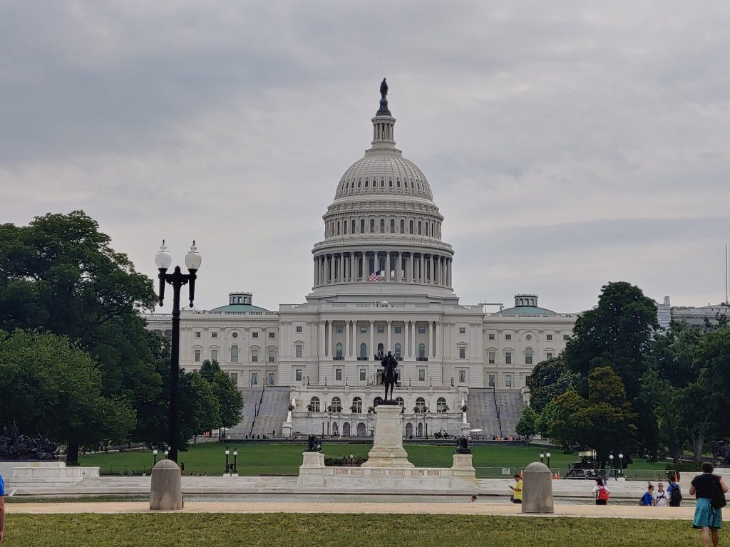 This image has an empty alt attribute; its file name is washington-DC-Congress-1024x768.jpg